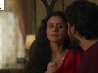 Stepmom is try trying to seduce her son in Mirzapur Web Series